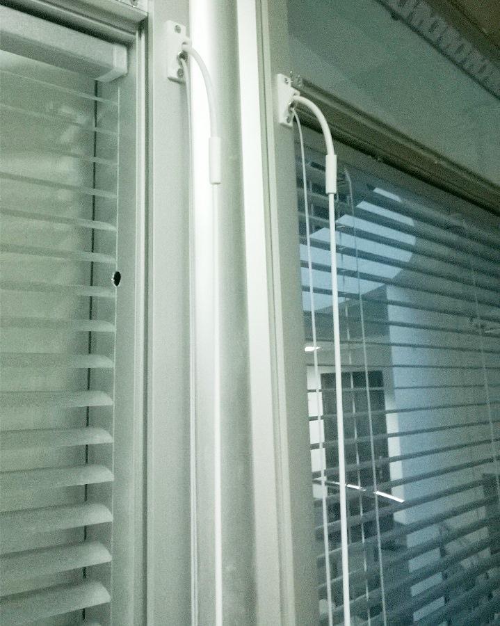 Жалюзи на окна с горизонтальными ламелями