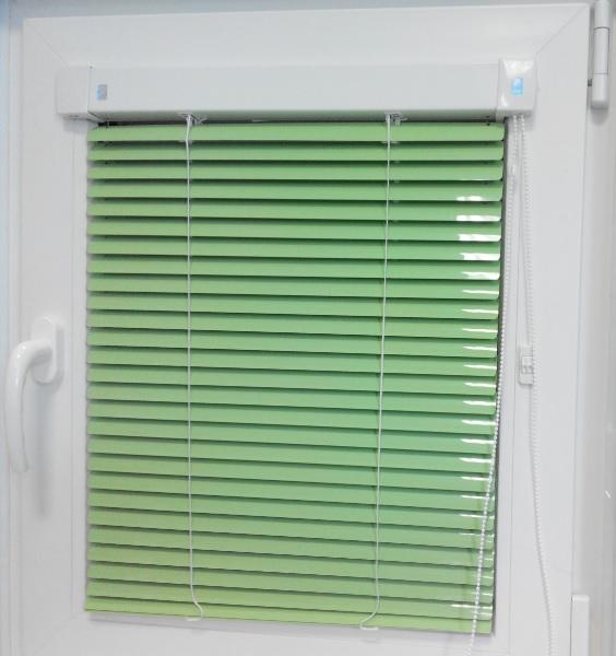 Горизонтальные жалюзи зеленые
