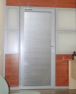Двери-жалюзи металлические